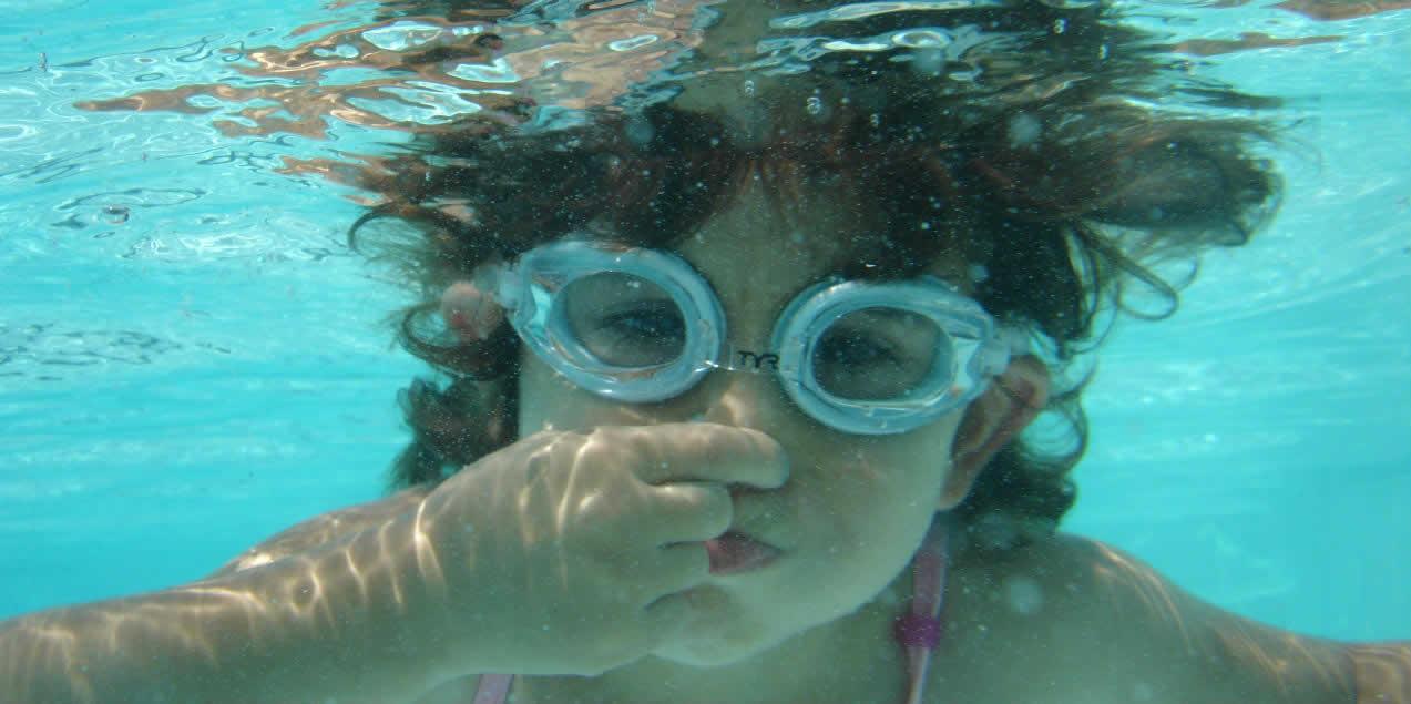 Efeitos negativos do cloro na piscina