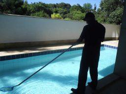 Como cuidar bem da piscina