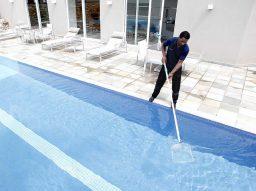Cuidar bem da piscina