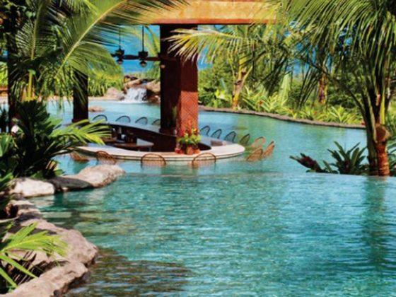 Springs Resort & Spa, Costa Rica - O resort oferece 12 piscinas, oito das quais são alimentadas diretamente pela água bombeada de suas fontes minerais quentes