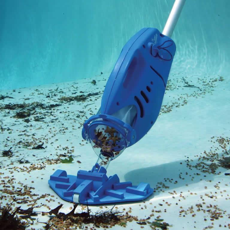 Como limpar a piscina manual passo a passo para iniciantes - Motor de piscina ...