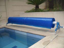 Capa térmica para piscina no enrolador