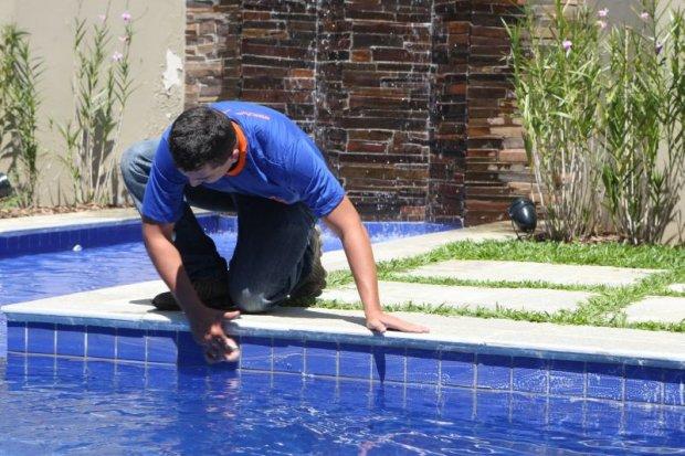 Como clorar a piscina corretamente for Cloro piscina