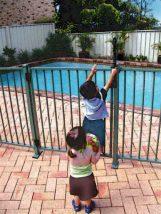 Prevenção de acidentes com crianças na piscina