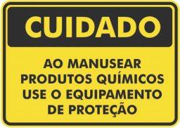 Dicas de segurança para o manuseio de produtos químicos para piscina