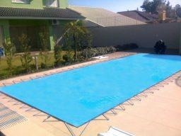 Capa da piscina em Portugal