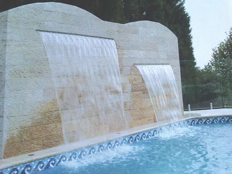 Cascata para piscina veja os tipos de cascatas de piscinas for Piscinas modelos modernos