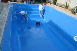 Aplicar duas camadas de tinta Epoxi para piscinas