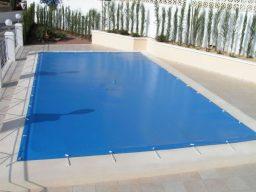 Capa de proteção para piscinas - Evitando afogamentos