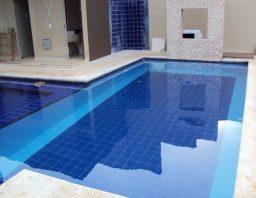 Cuidados com o revestimento de azulejo da piscina