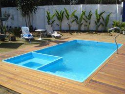 Cuidados com o revestimento de fibra da piscina