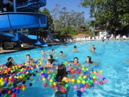 Caça ao tesouro na piscina 2