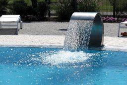 Limpar a cascata da piscina