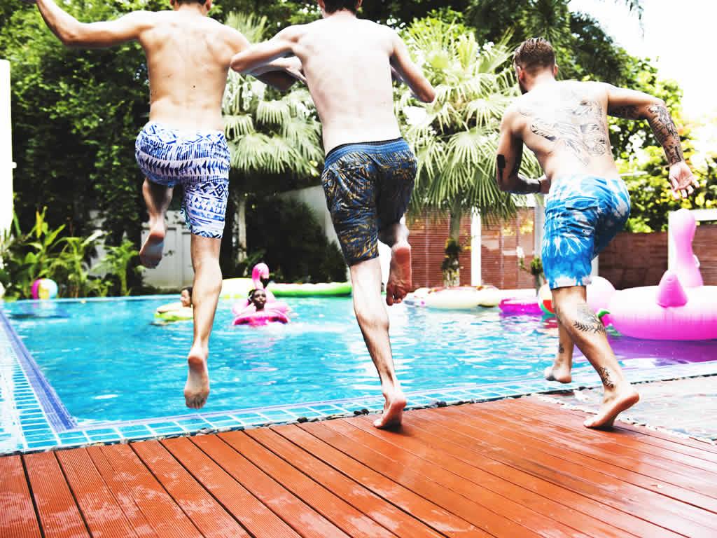 Festa Na piscina homens