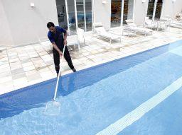 Frequência da limpeza da piscina